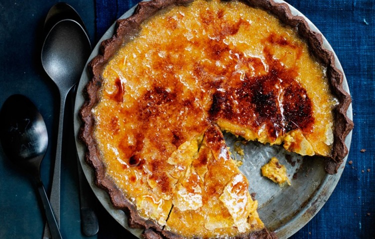 bruleed-bourbon-maple-pumpkin-pie2-940x600