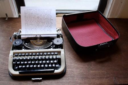 vintage typewriter-2